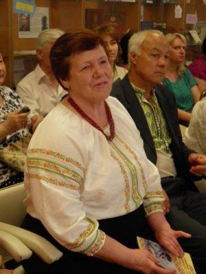 Тріумф вишивальниці Любові Шаламай у бібліотеці